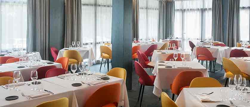 Hotel Excelsior dining room